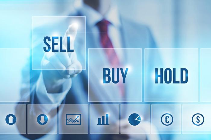 Bạn phải học cách bán cổ phiếu trước khi mua cổ phiếu. Đừng bao giờ làm  ngược lại - Chiemtinhtaichinh.com